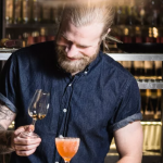 Linus Morgan, barchef på Clarion Hotel Amarantens bar Tap Room. Foto: Per Karlsson